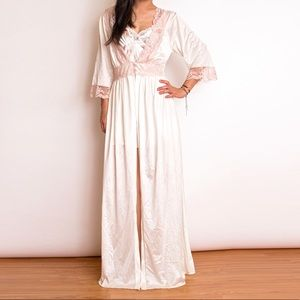 Vintage 70s pink lace trim maxi duster robe